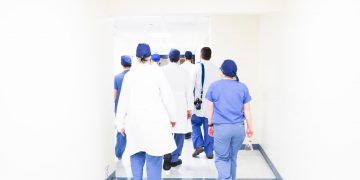 רופאים, צילום - Luis Melendez