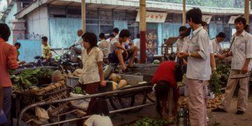 שוק בסין, צילום: Les Anderson